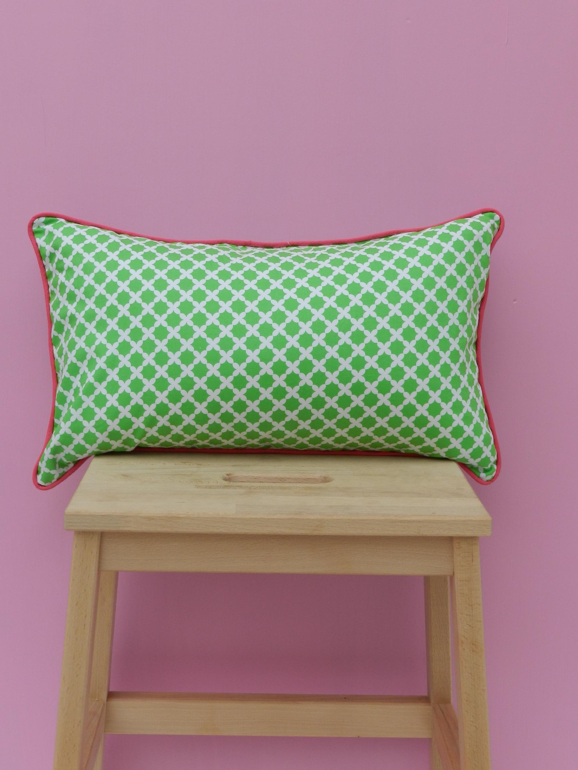 coussin antone et linette. Black Bedroom Furniture Sets. Home Design Ideas