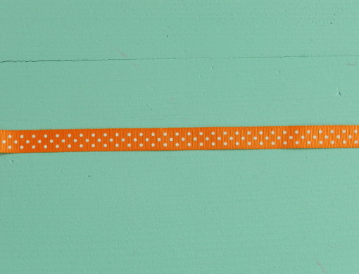 gros plan ruban gros grain orange pois blanc 10 mm