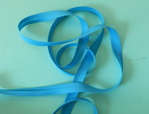 Biais uni bleu foncé
